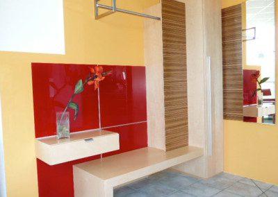 Modernes Vorzimmer mit Ahorn und Zebrano Element