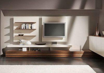 Lowboard Farb/Holz Kombination.