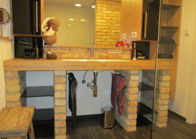 Badezimmer modern und rustikal