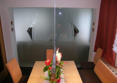 2-flügelige Glasschiebetür mit Motiv lt. Kundenwunsch