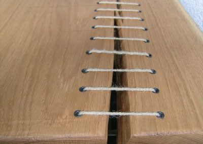 G`nates Holz mit Garn Schnürung
