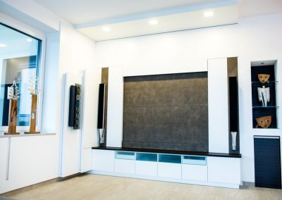Wohnzimmer Elektrischer Fernsehnischen Verblendung mit Ledertapezierung (4)